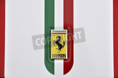Plakat LONDYN - 4 września 2011: logo Ferrari, włoski malowane na karoserii Ferrari 360 Challenge, Stradale