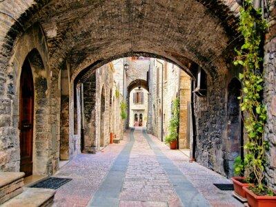 Plakat Łukowe średniowieczna ulica w mieście Asyż, Włochy