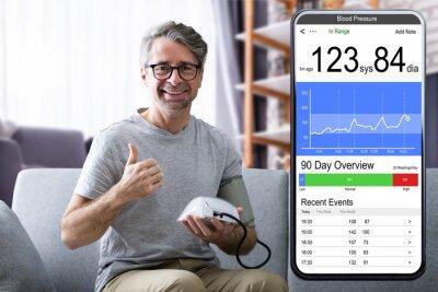 Plakat Measuring Blood Pressure At Home