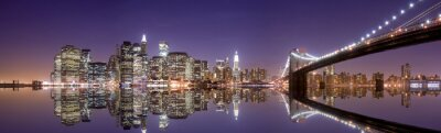 Plakat New York skyline i refleksji w nocy
