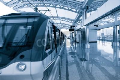 Plakat Nowoczesna architektura stacji kolejowej światła w Szanghaju w Chinach.