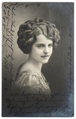 Plakat old sepia zdjęcie młodej kobiety