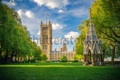 Plakat Opactwo Westminsterskie oglądane z ogrodów Victoria Tower, Londyn, Wielka Brytania