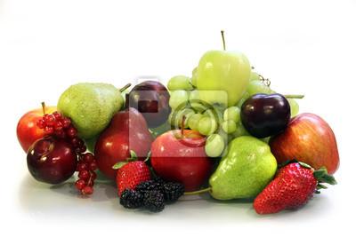 Owoce na białym tle