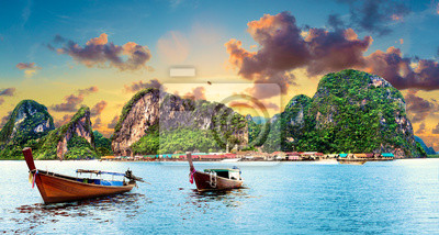 Paisaje idílico de playas y costas de Tailandia.Islas y mar de Phuket. Viajes de aventura y ensueño