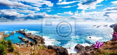 Paisaje idílico Isla de Tenerife.Mar y cala.Paisaje Marino pintoresco pl Islas Canarias.Viajes y Aventuras