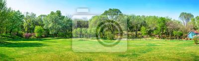 Plakat Park wczesną wiosną. Znajduje się w Shenyang Botanical Garden, Shenyang, Liaoning, Chiny.