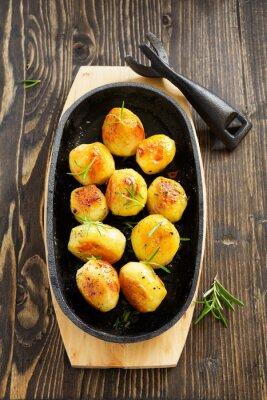 Plakat Pieczone ziemniaki z rozmarynem.