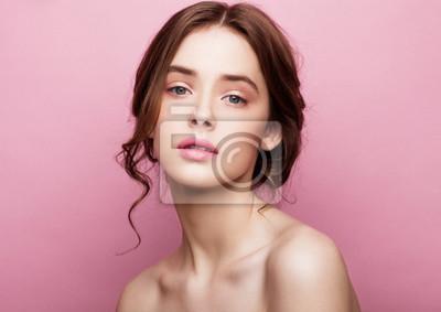 Plakat Piękna modelka cute mody z naturalnych makijażu