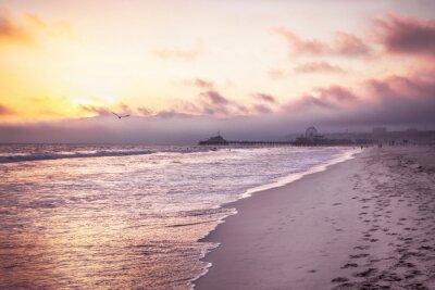 Plakat Piękna plaża o zachodzie słońca