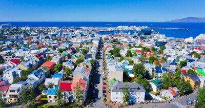 Plakat Piękne bardzo szeroki kąt lotu ptaka Reykjavik, Islandia