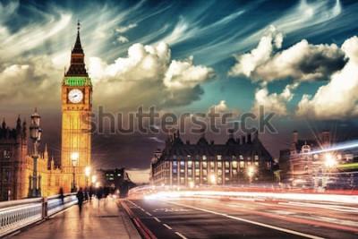 Plakat Piękne kolory Big Bena z Westminster Bridge o zachodzie słońca - Londyn.
