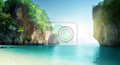 Plakat plaża małej wyspy, Prowincja Krabi, Tajlandia