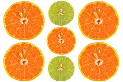 Plakat Połówki pomarańczy i wapna na białym tle