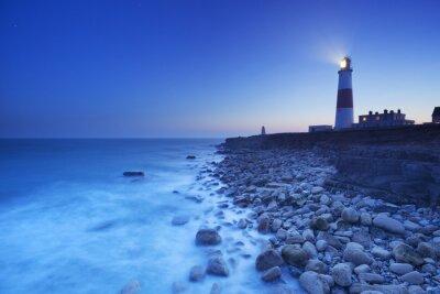 Plakat Portland Bill Lighthouse w Dorset, w Anglii w nocy