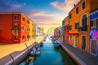 Plakat Punkt zwrotny w Wenecji, kanał wyspa Burano, kolorowe domy i łodzie, Włochy