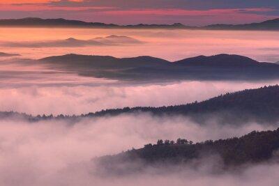 Plakat Rano mglisty górskich dekoracje w atmosferze