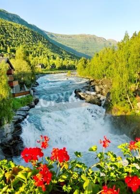 Plakat Rano powyżej Bovra rzeki w Norwegii.
