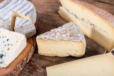 Plakat Różne odmiany francuskich serów
