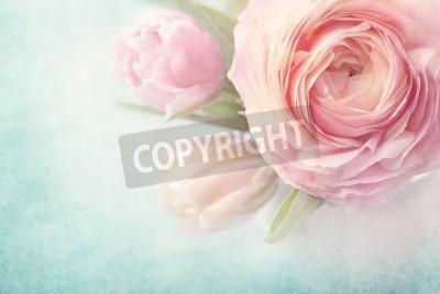 Plakat Różowe kwiaty w wazonie