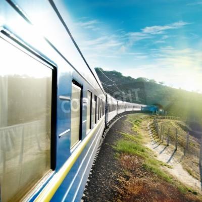 Plakat Ruch i niebieski pociąg wagon. Miejski transport