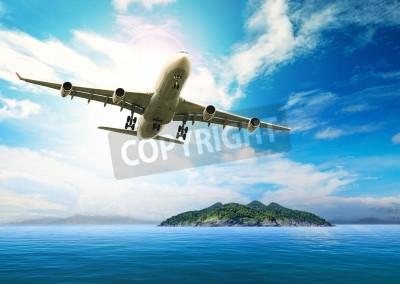 Plakat Samolot pasażerski lecący nad piękne błękitne morze i wyspy w docelowym czystość użytkowania morzu plaży na letnie wakacje wakacje treveling