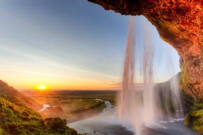 Plakat Seljalandsfoss Wodospad o zachodzie słońca, Islandia