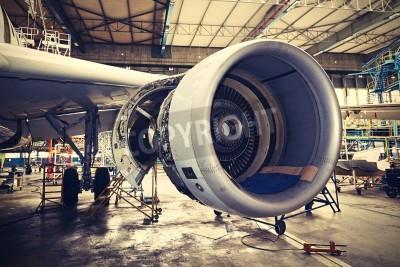 Plakat Silnik samolotu pod ciężkim konserwacji