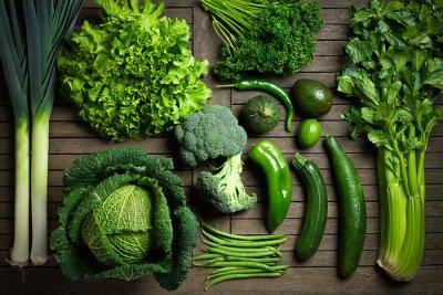 Plakat Skład de légumes uniquement Verts sur une table en bois