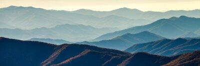 Plakat Smoky grzbiety górskie