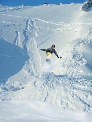 Plakat Snowboard. Góry narciarz skacze. Wiele copyspace