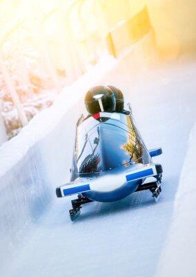 Plakat Sporty zimowe - Zweierbob im Eiskanal
