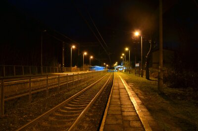 Plakat stacja noc