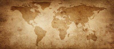 Plakat Stara mapa świata na starym tle pergaminu. Zabytkowy styl. Elementy tego obrazu dostarczone przez NASA.