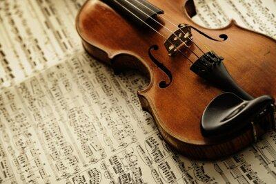 Plakat stare i rzadkie skrzypce na arkuszu notatki