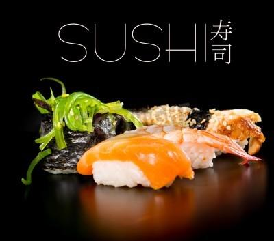 Plakat Sushi zestaw na czarnym tle