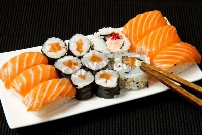 Plakat Sushi Zestaw ponad czarny