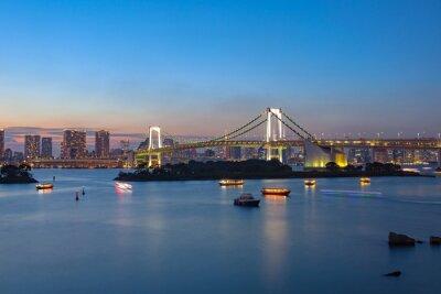 Plakat tęczowy most Odaiba Tokio ważnym miejscem do odwiedzenia
