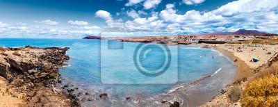 Teneryfa beach dekoracje.Ocean i piękne niebo. Charakter malownicze pejzaże na Wyspach Kanaryjskich
