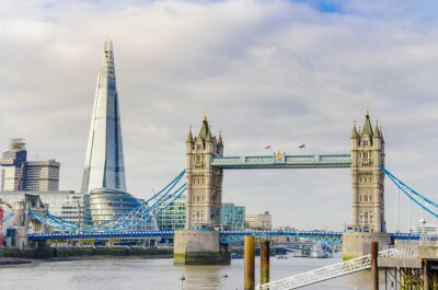 Plakat The Shard and Tower Bridge on Thames river in London, UK