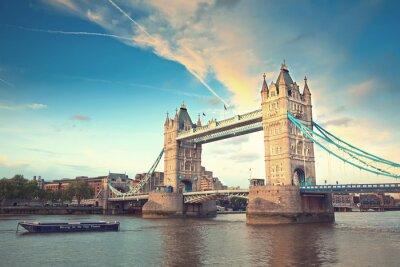 Plakat Tower Bridge o zachodzie słońca, Londyn