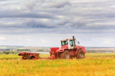 Plakat Traktor na polu