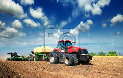 Plakat Traktor w polu