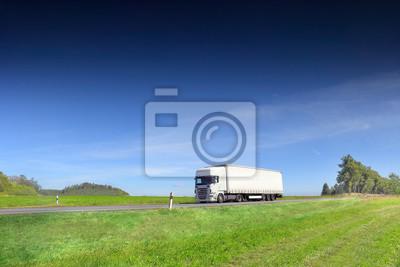 Transport ciężarowy po drogach i ładunkach