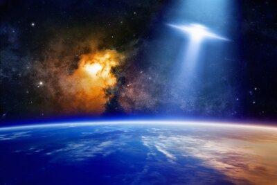 Plakat UFO zbliża się do planety Ziemi