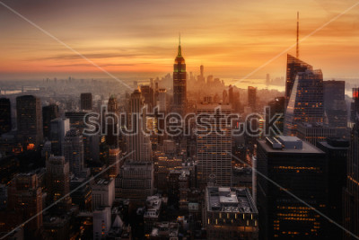 Plakat View of New York City from the top of one of its viewpoints, capturing the warm light of sunset