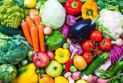Plakat Warzywa i owoce w tle.