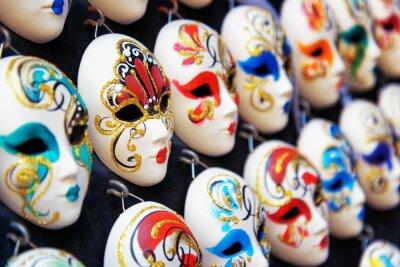 Plakat Weneckie maski pełnotwarzowe karnawałowe w sklepie, Wenecja, Włochy