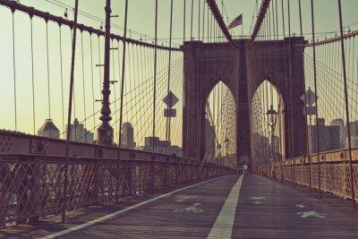 Plakat Widok wzdłuż chodnika dla pieszych, Brooklyn Bridge
