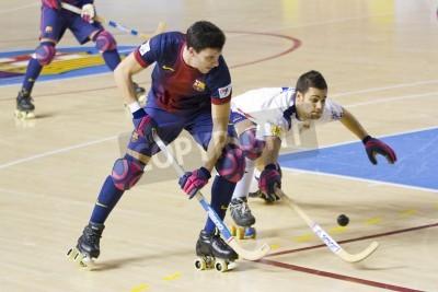 Plakat BARCELONA - 26 stycznia: Sergi Miras z FCB w akcji w meczu Ligi Hiszpańskiej pomiędzy FC Barcelona OK i Igualada HC, końcowy wynik 4-5, w dniu 26 stycznia 2013 roku, Palau Blaugrana, Barcelona, Hisz